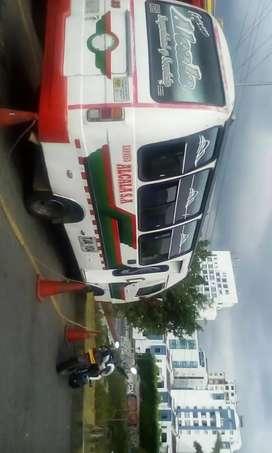Se vende buseta Nissan 3500