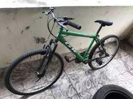 Bicicleta Gw en buen estado economica