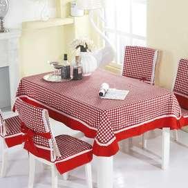 decore su juego de comedor con mantel y cobertores de sillas