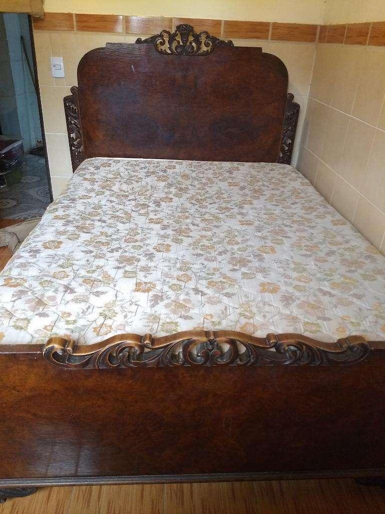 Vendo Juego de Dormitorio de roble antiguo en muy buen estado 0