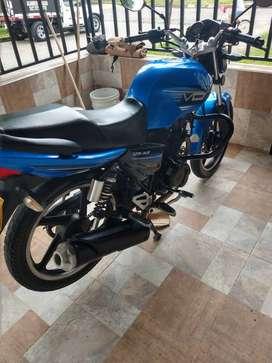 vendo moto en excelente estado y económica