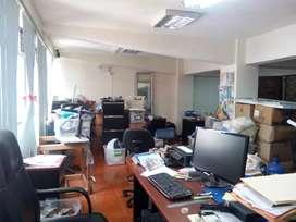 BAJO DE PRECIO! Céntrica Oficina en Venta, Vista a la calle, 70mts
