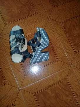 Vendo sandalia, poco uso. Como nueva