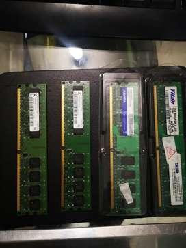 4 Memorias ram de 1 GB ddr2 cada una