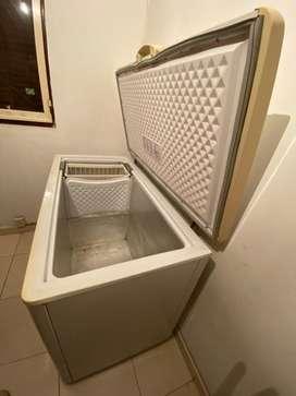 Vendo freezer marca Bricket