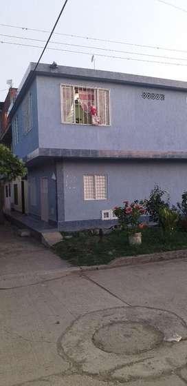 Hermosa Casa en Ginebra de Dos Pisos