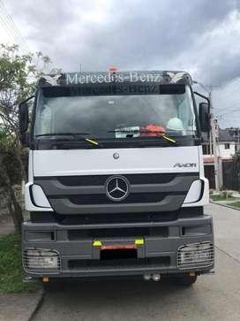 Volqueta Mercedes Benz Axor con Motor Reparado