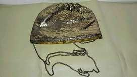 cartera de fiesta  dorada de 23cm x 15cm