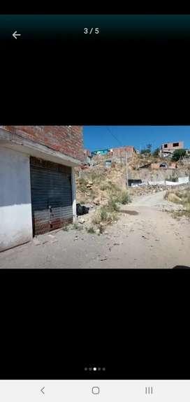 vendo terreno en Chiguata cuenta con servicios básicos luz y agua