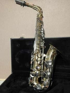 Saxofon Yamaha Yas-23 de oportunidad