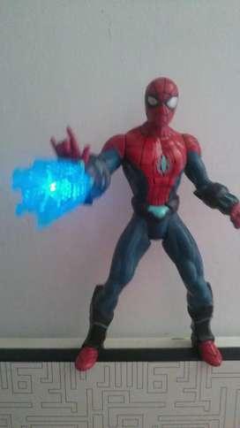 muñeco hasbro hombre araña