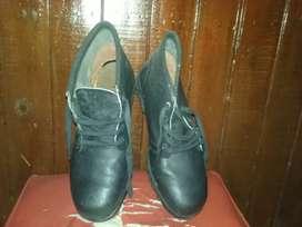 Mocasines poco uso.. botas punta de acero nuevas