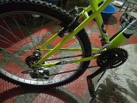 Vendo bicicleta en perfecto estado poco uso