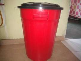 Se vende tanque de almacenar agua de 110 litros