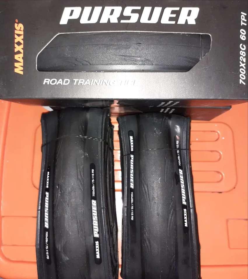 VENDO SEMI R 28 MAXXIS PURSUER 0