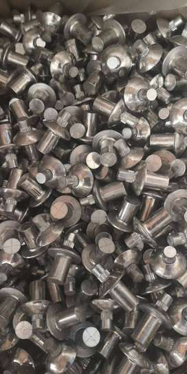 Remaches de aluminio tipo mariposa