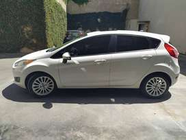 Ford Fiesta Kinetic Design SE PLUS POWERSHIFT (AUTOMATICO)