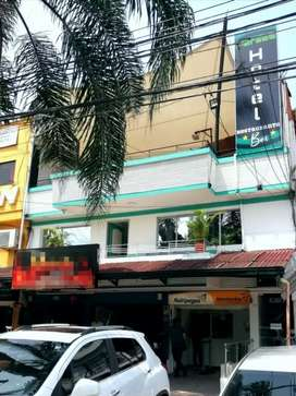 Vendo negocio en Medellín Hotel, Bar y Restaurante se vende mobiliario y prima