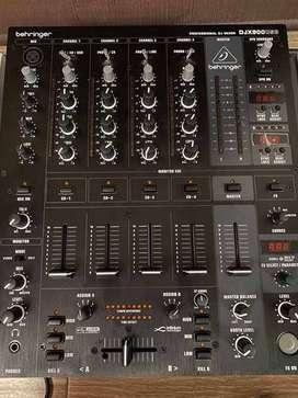 Mixer Behringer DJX 900 USB. Mezclador.