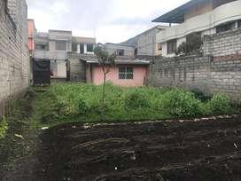 Vende Terreno Sector Nuevos Horizontes de La Ecuatoriana totalmente plano