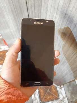 Vendo Samsung j7 2016 libre