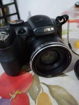 Cámara Semi Profesional Fujifilm Finepix Modelo S 2950