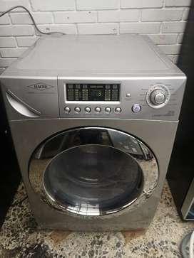 Venta. De lavadora secadora 26 libras Haceb
