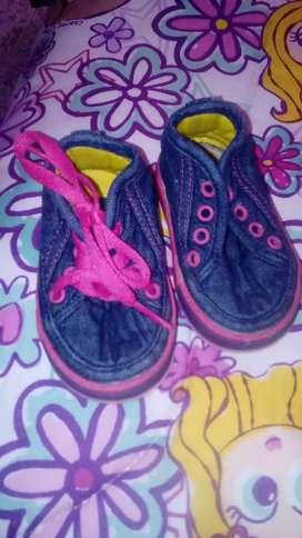 Zapatos para niña diferentes tallas