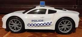 Vendo carro de policia.