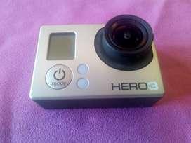 GoPro hero 3 con accesorios VENDO