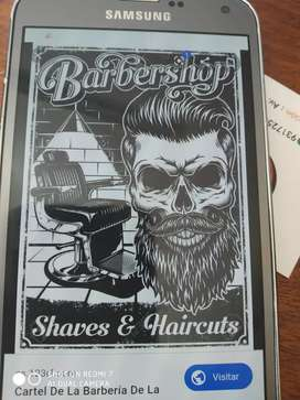 Se necesitan barbero y cosmetóloga