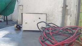 Cargador de batería auto 220v