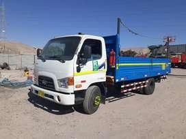 Alquilo camiones de 4 y 5 toneladas,con carrocerías de baranda madera,metal,para minería ,construcción yrepartos.