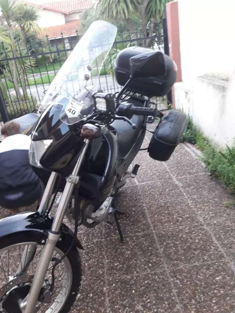 Honda falcón NX400 0
