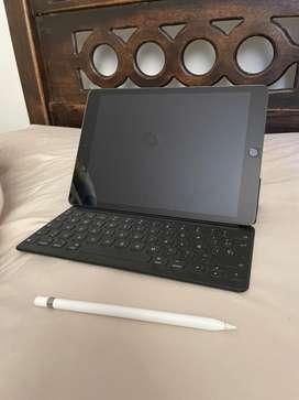 iPad 8 de 128gb con keyboard original y apple pencil