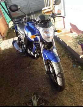 Vendo o permuto moto Yamaha Fz 150 modelo 2016