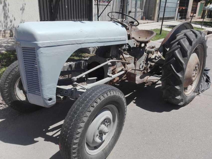 tractor ferguson 0