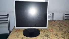 "Monitor LG FLATRON 17"" + teclado + mouse"