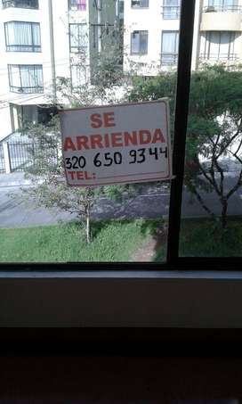 Arriendo apartamento en Barrio Laureles, detrás de Cable Plaza. Tarifa de admón. incluida en el precio del alquiler