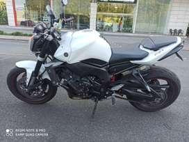 Hermosa Yamaha FZ1N en perfecto estado.