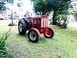 Vendo Tractor Hanomag motor Peugeot
