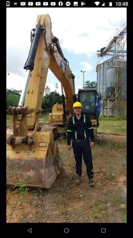 """Aprendiz SENA practica""""operador de maquinaria pesada para excavación"""""""