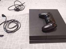 Play station 4 (usada)500 GB con un control y juegos digitales incluidos como gta5,call ir duty black ops lll,otros mas