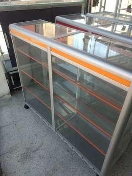 Vitrina mostrador en aluminio y vidrio de 120x100