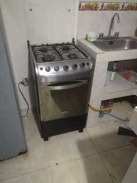 Vendo cocina' con horno