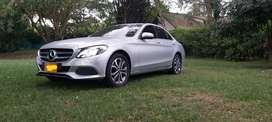 Se vende Mercedes benz clase c180 unico dueño super consentido todas sus revisiones al dia