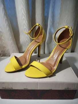 Sandalias Vizzano Amarillo