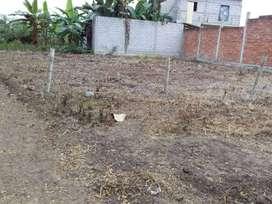 Vendo terreno esquinero en la ciudadela Santa Catalina atraz de Carpatos en el Cambio