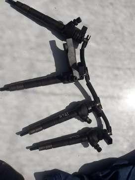Vendo inyectores y rampa de amarok andando alas perfección.
