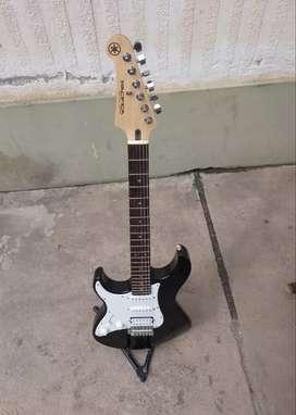 """Guitarra Yamaha pacifica 112 """"zurda"""", nueva!."""